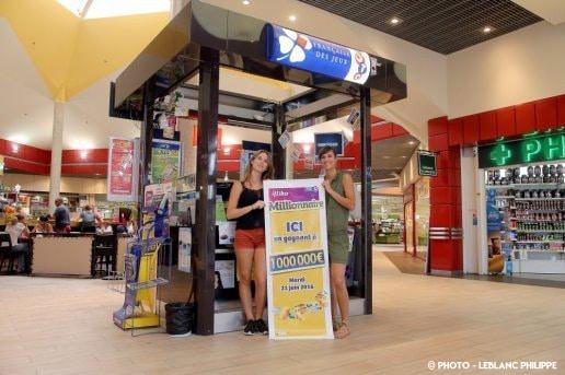 kiosque-fdj-jeux-a-gratter-et-centre-commerciaux